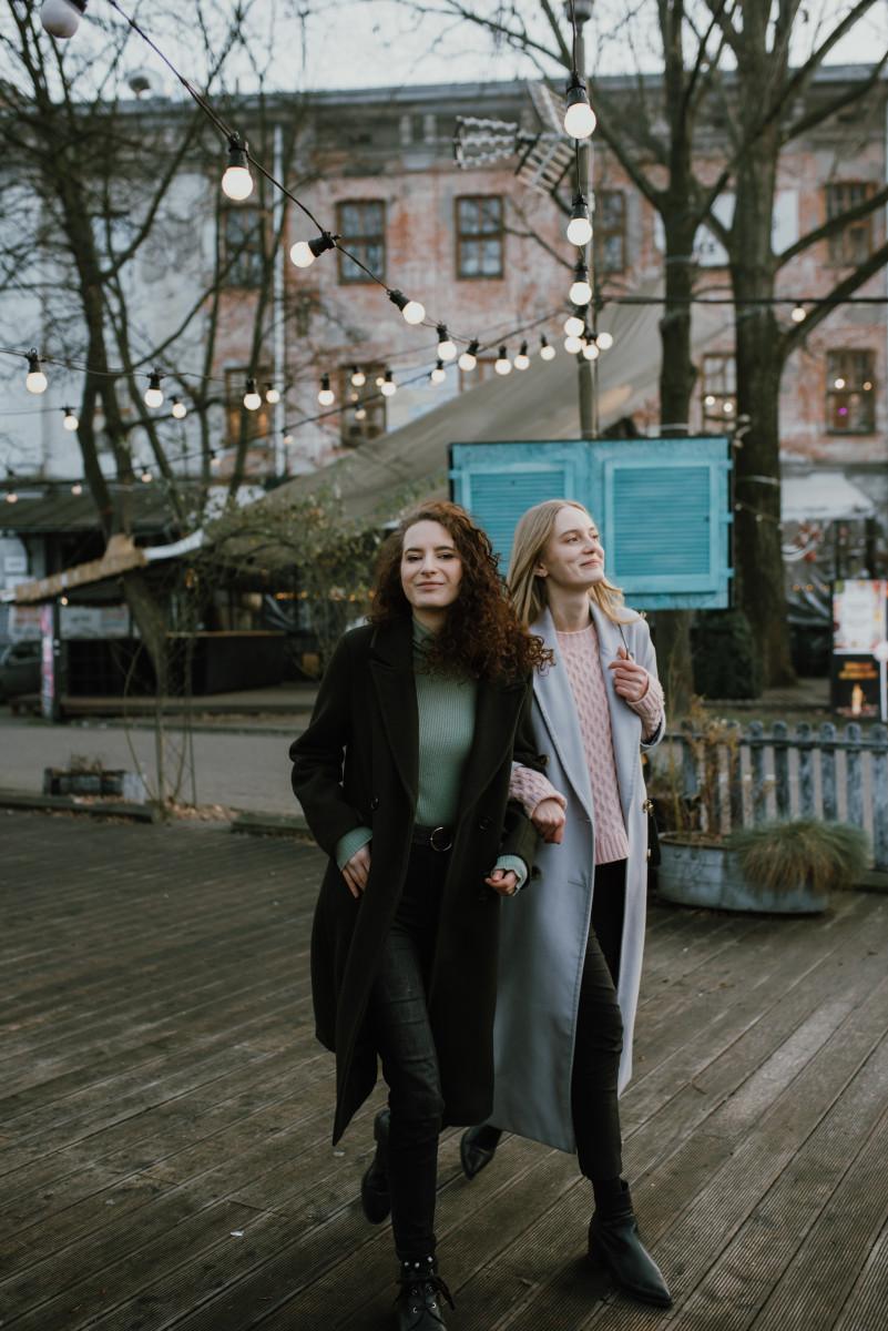 Długie, zimowe płaszcze damskie
